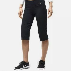 Nike Dri-Fit Capri Yoga Pants Women's Sz M Black